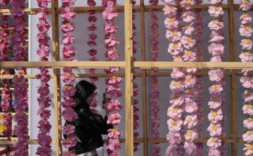 Colorful art projects pep up Joseon-era royal palace