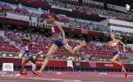 American McLaughlin breaks world record to win women's 400 hurdles
