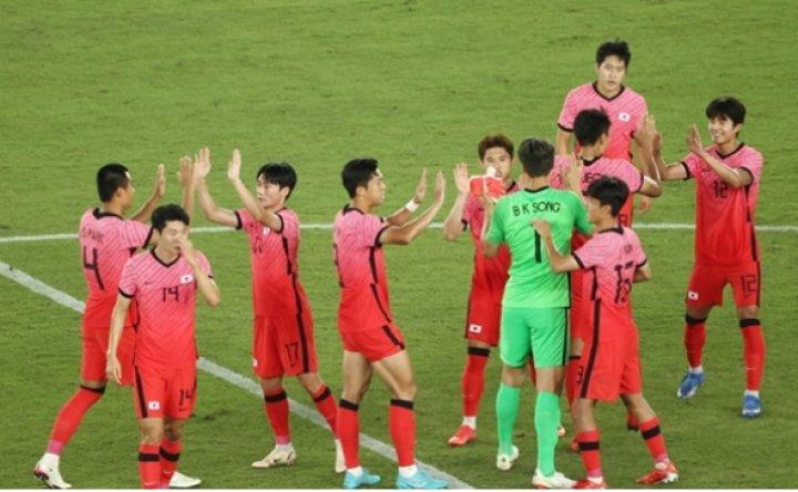 Korea rout 10-man Honduras to reach men's football quarterfinals