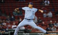 Ryu Hyun-jin placed on injured list after gluteal strain