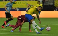 Brazil easily beat Uruguay in World Cup qualifying