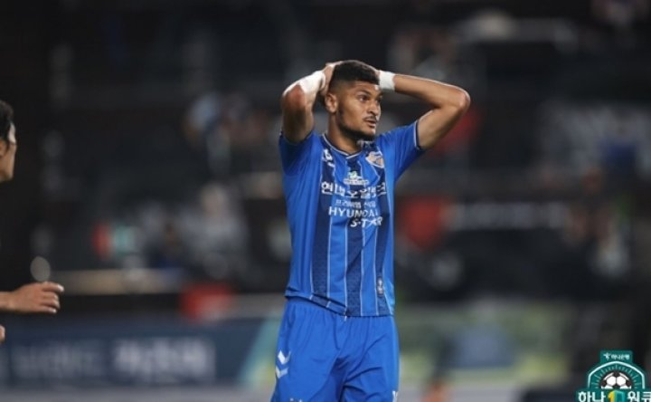 Jeonbuk closes gap on Ulsan in two-horse race for K League title
