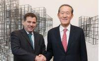 Argentine envoy visits FKI