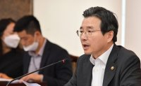 Korea to report population decline for first time this year: vice finance minister