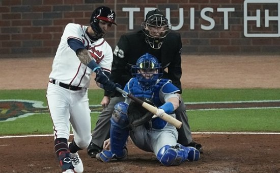 Braves advance to World Series with 4-2 win over Dodgers