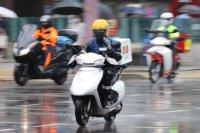Concerns rise over deliverymen spreading virus