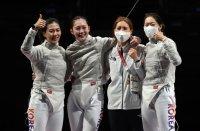 Korea wins bronze in women's sabre team fencing