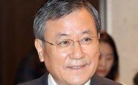 KAIST president Shin to keep his post